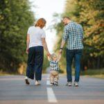 Kvalitnější léčba neplodnosti znamená stále starší rodiče. Jak to ale ovlivní jejich potomky?